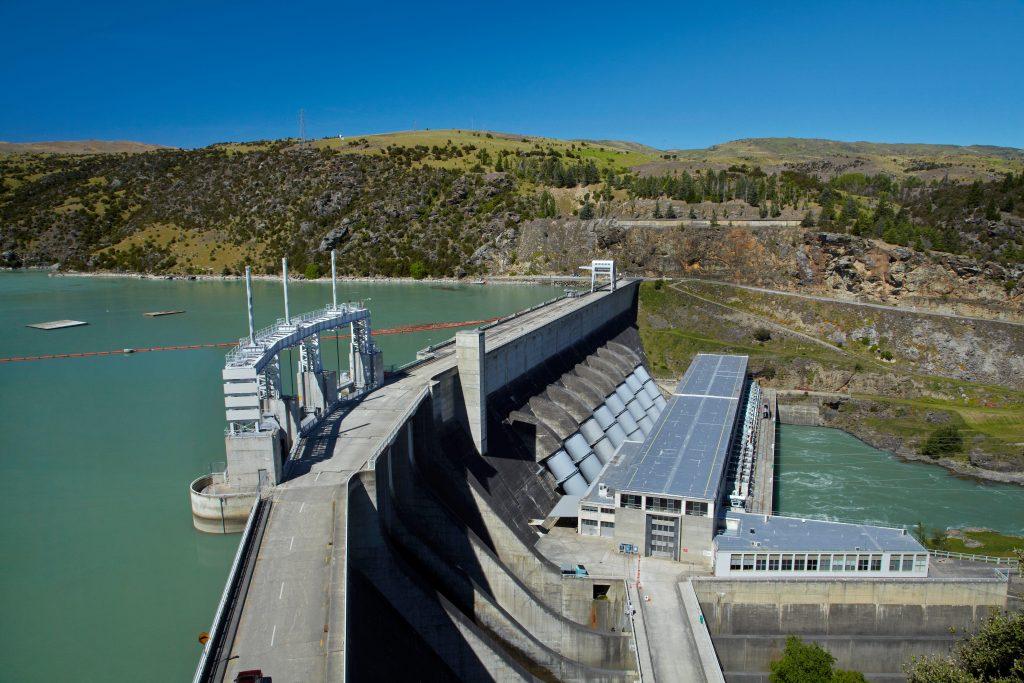 Zurich volta a operar na área de geração de energia