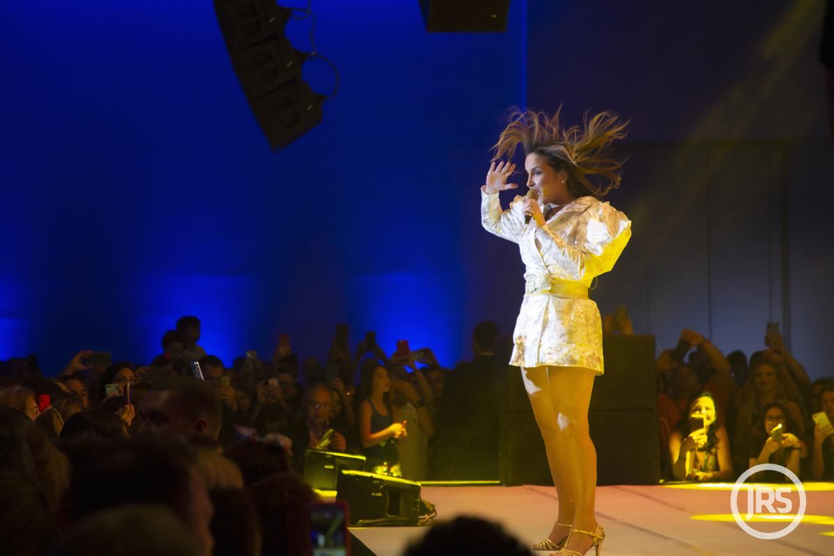 A cantora Claudia Leitte agitou o público no encerramento do primeiro dia de atividades