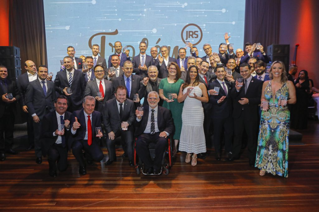Troféu JRS 2019 reconhece nomes do mercado brasileiro de seguros