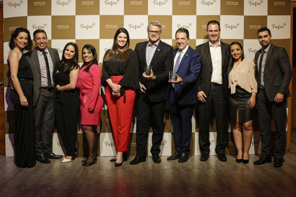 Equipe comercial da região sul do Brasil, junto com André Lauzana e Gilson Bochernitsan / Arquivo JRS