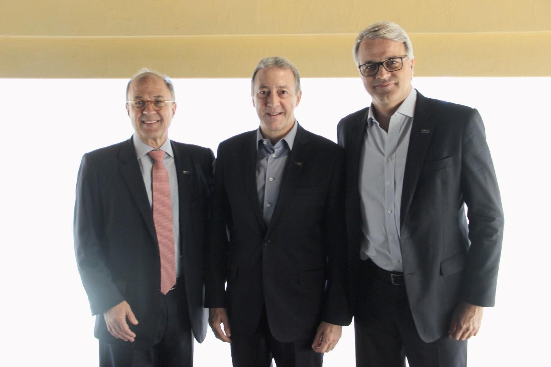 Gabriel Portella, Marcos Colantonio e André Lauzana durante almoço oferecido na sede da Aconseg-SP / Divulgação