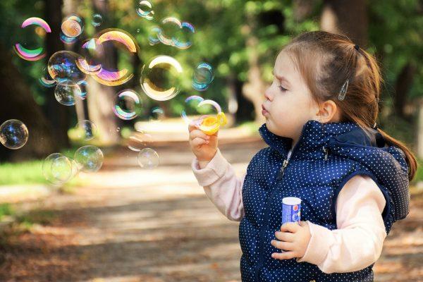 Rico Investimentos promove ação para celebrar o Dia das Crianças
