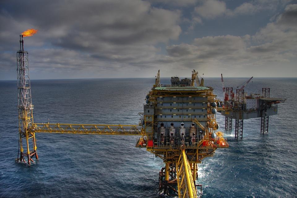 Concessões de campos de petróleo aquecem o mercado segurador