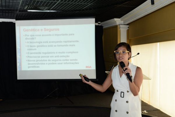 Alma Vera é gerente sênior de Subscrição da RGA LatAm / Foto: Antranik Photos