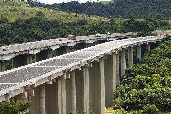 Mais de 500 mil veículos devem cruzar Castello/Raposo durante o feriadão