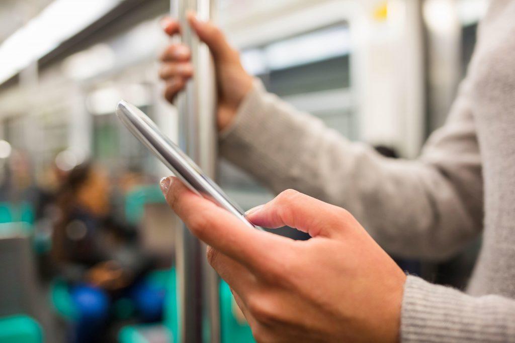 Domingo e segunda-feira lideram ocorrências de sinistros de roubo e furto de celular