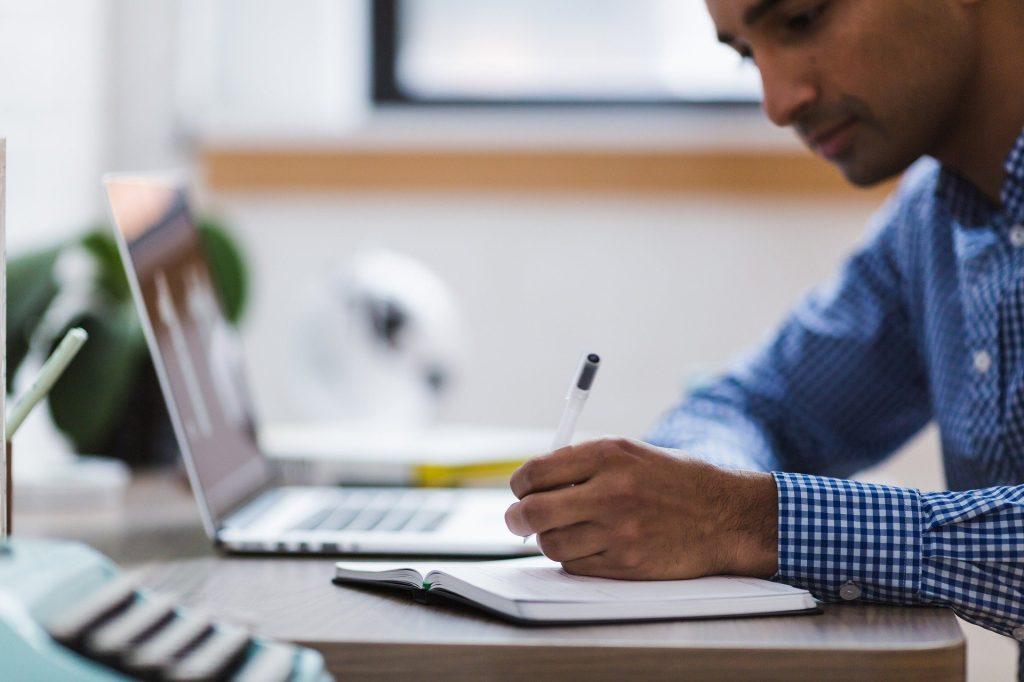 ENS lança três novos cursos gratuitos na modalidade online