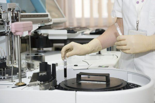 Mercado de saúde encolheu em setembro, aponta IESS
