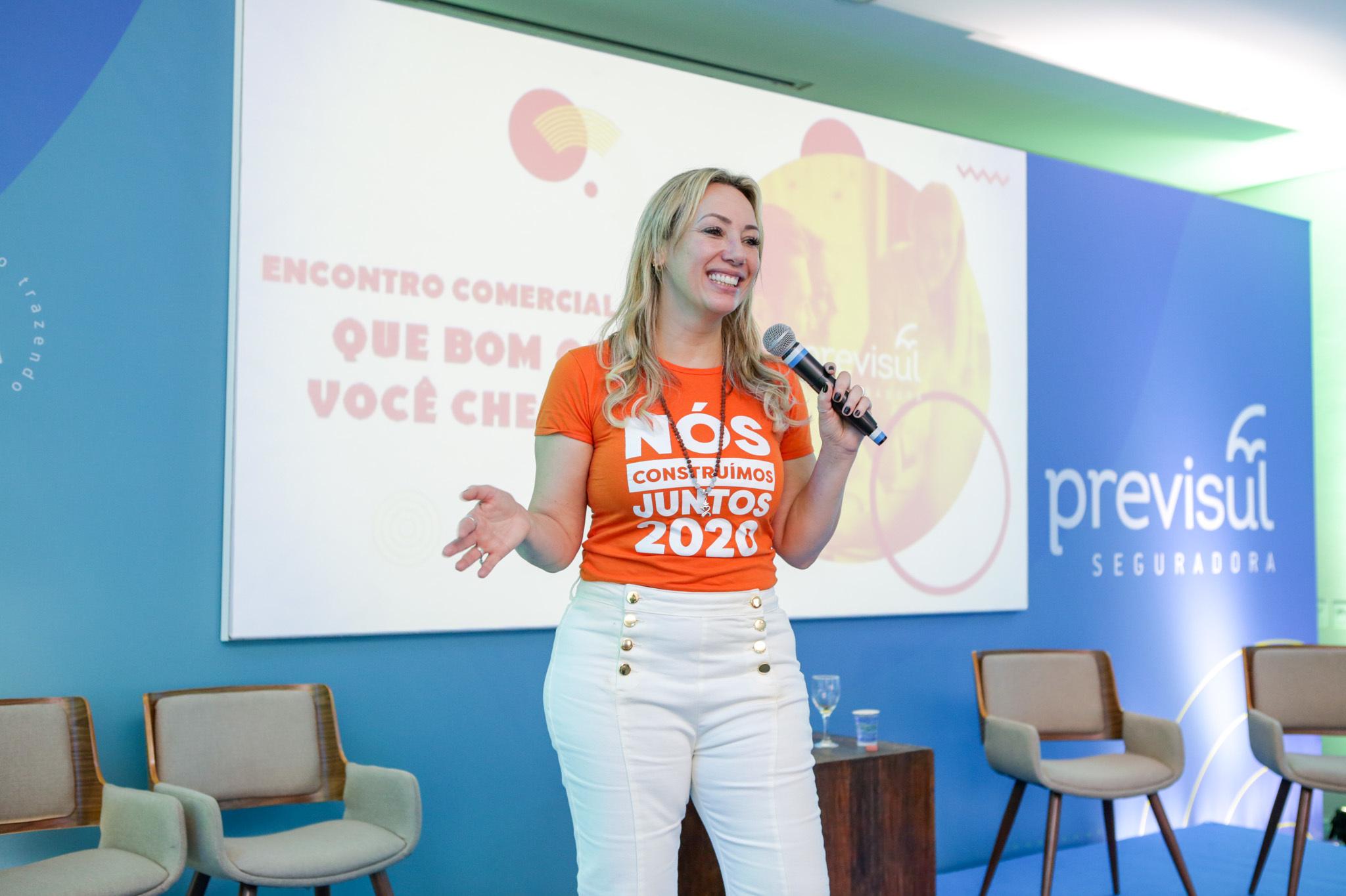 Andréia Araújo é diretora de Negócios e Marketing da Previsul Seguradora / Divulgação