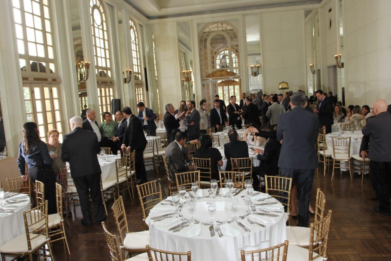 Confraternização reuniu mercado mineiro no salão nobre do tradicional Automóvel Clube de Minas Gerais