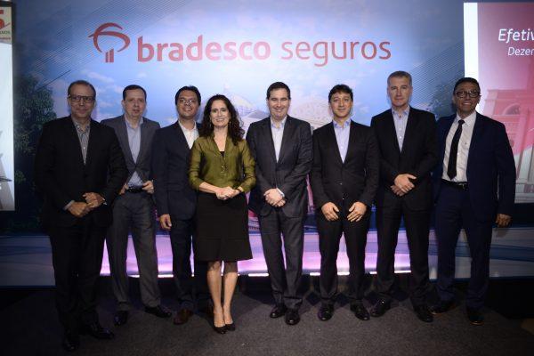 Foto da diretoria da Bradesco Seguros e do Hospital Adventista de Manaus / Divulgação