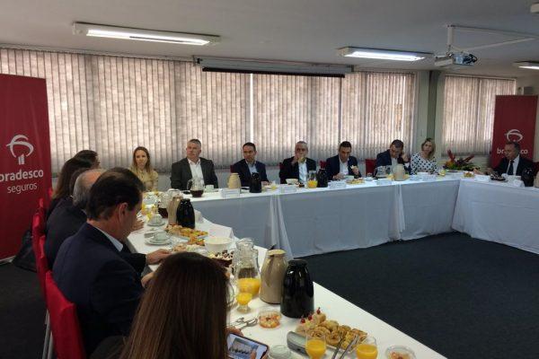 Vinicius Albernaz participa de bate-papo em Curitiba (PR)