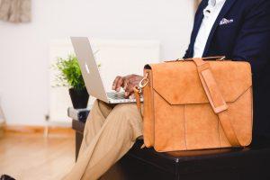 Susep reconhece importância da qualificação profissional do corretor de seguros