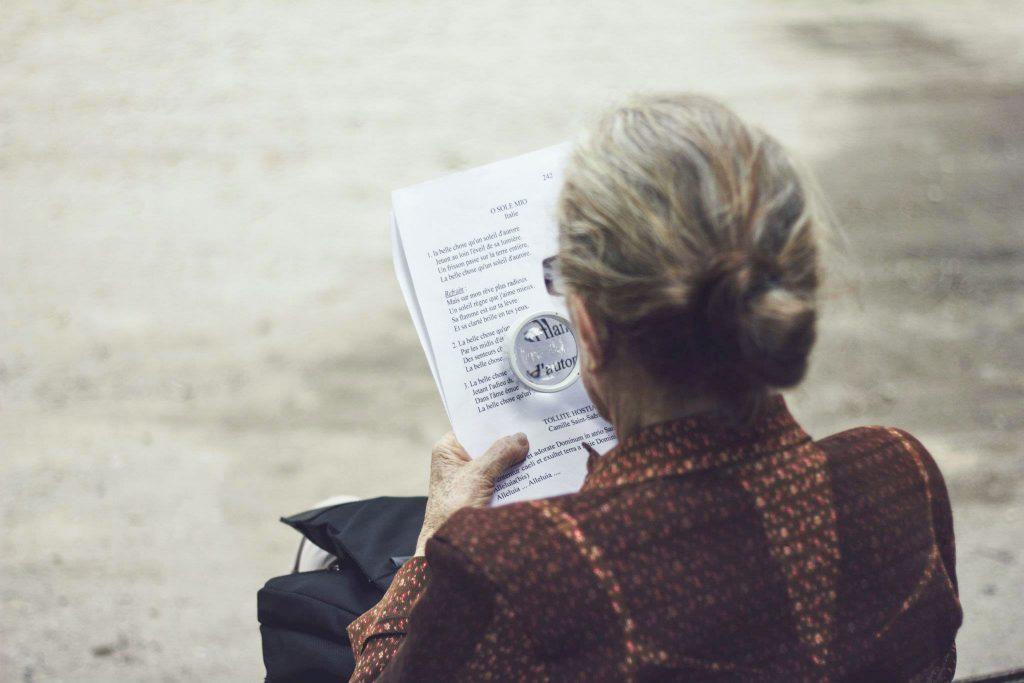 34 milhões de brasileiros com mais de 50 anos estão insatisfeitos com a vida financeira