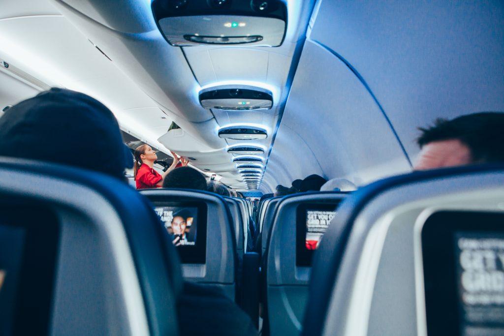 Quase 50% dos clientes brasileiros não confiam em companhias aéreas