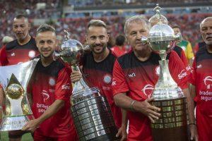 Jogo das Estrelas celebra a cultura do futebol e reúne craques campeões