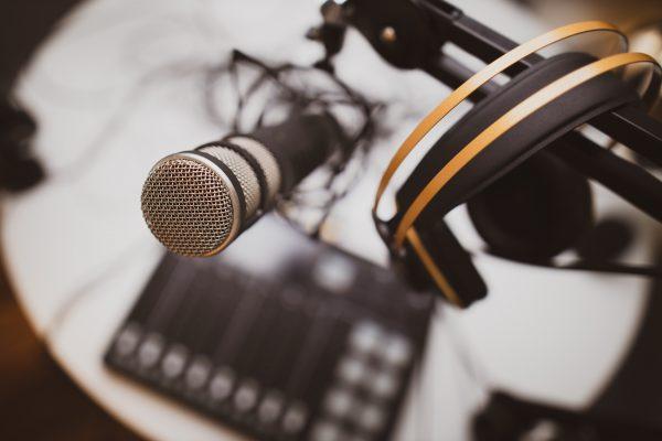 Rádio CNseg agora em formato de podcast