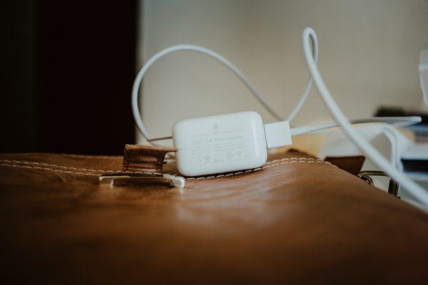 Cinco mitos e verdades sobre baterias e carregadores de smartphones