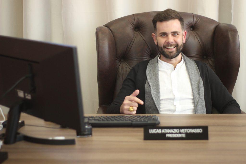 Lucas Atanazio Vetorasso é CEO do Grupo ATNZO e Imortal da Academia Brasileira de Escritores / Reprodução