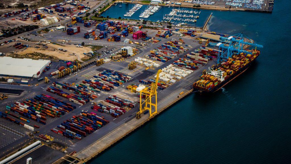 Zurich lança seguro para empresas de operação portuária