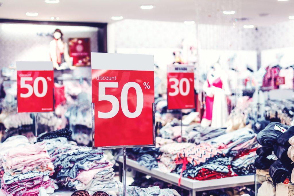 Confiança do consumidor está no maior patamar desde o começo da pandemia