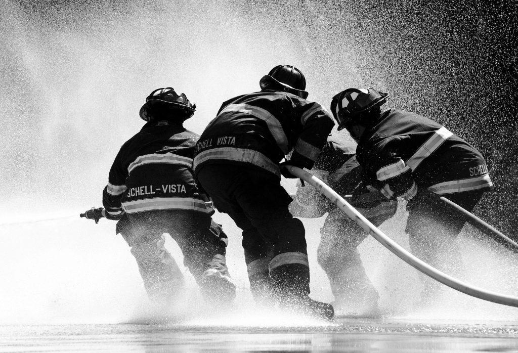 Bombeiros voluntários acionam a Oi na Justiça pela volta do serviço 193