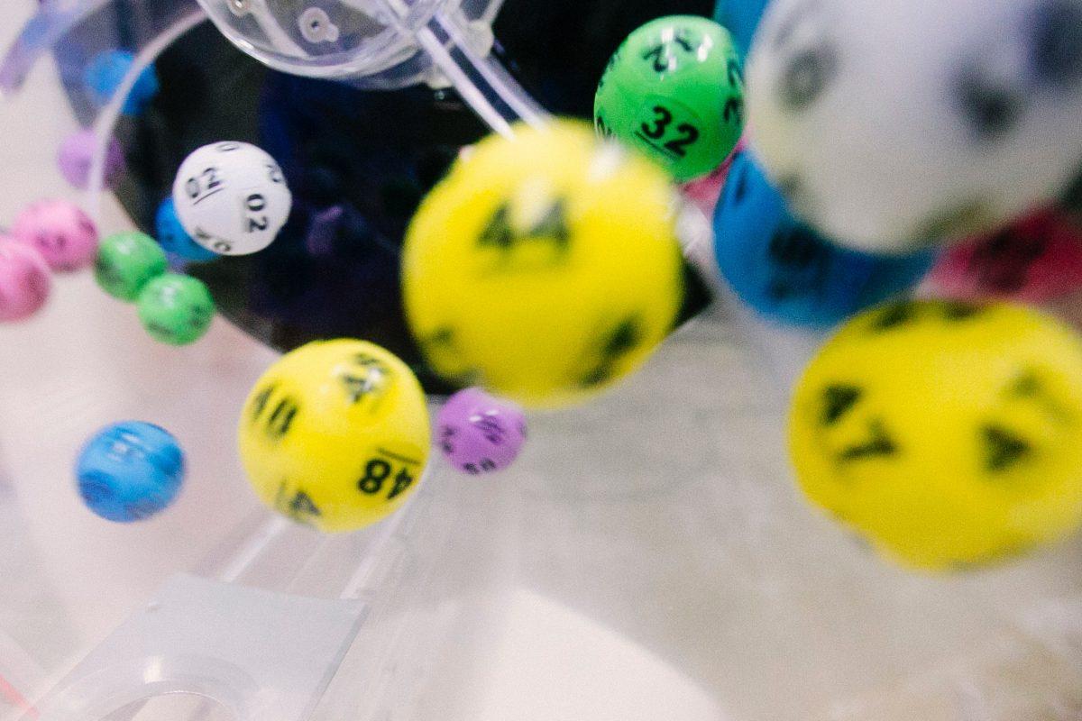 Tem Combo da Felicidade no sorteio deste domingo do RJ da Sorte®
